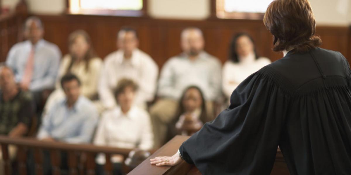 К 2,5 годам ограничения свободы приговорил суд мужчину за секс с несовершеннолетней