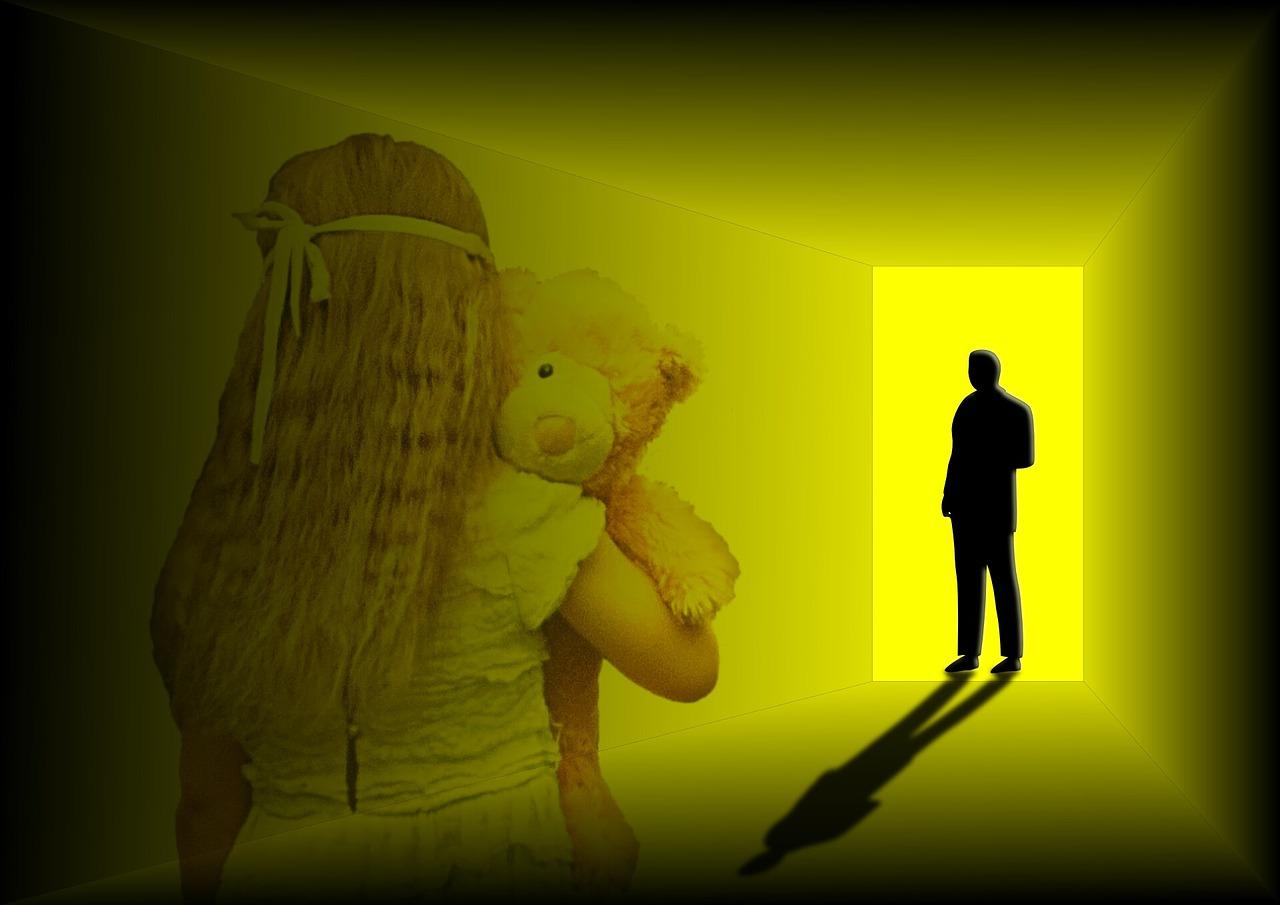 Родных изнасилованной школьницы могут наказать за сокрытие в Карагандинской области