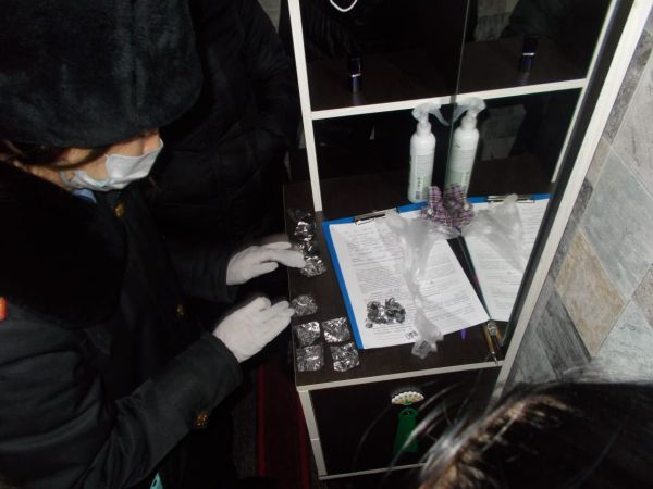 17 пакетиков с героином нашли полицейские в нижнем белье жителя Житикары