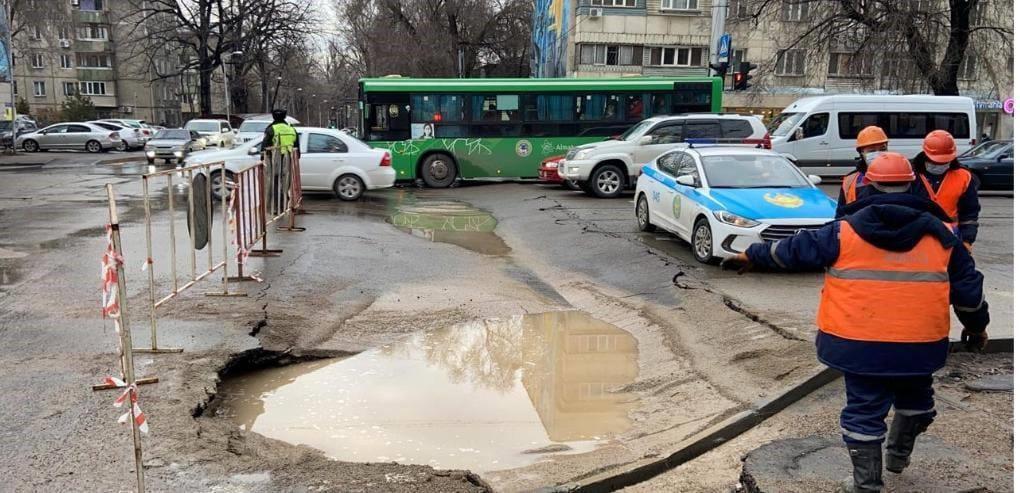 Ряд алматинских подрядчиков наказали за разрушенные дороги