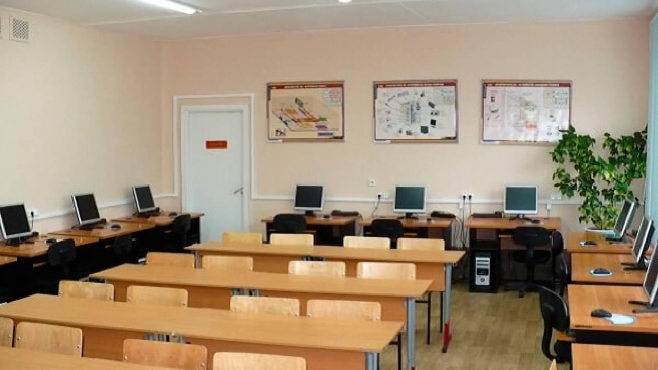 Почти 4 млрд тенге со средств на школьные компьютеры прикарманили в Карагандинской области