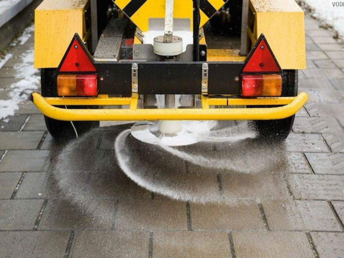 В этом-то вся соль — Суд принял решение по иску ЦЗПП по поводу очистки дорог и вывоза мусора