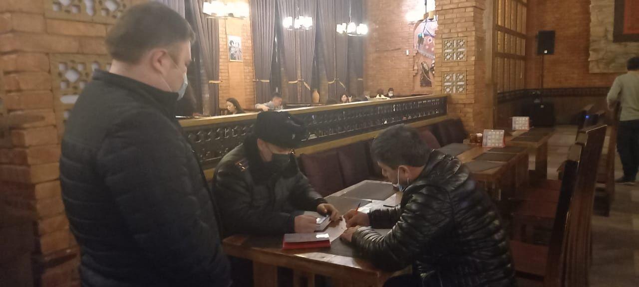 В Алматы 40 заведений приостановили работу по решению суда