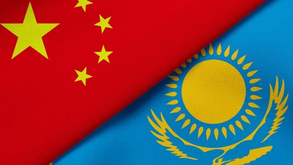 «Гражданства не будет». Трое бежавших из Синьцзяна этнических казахов просят разрешения выехать из Казахстана