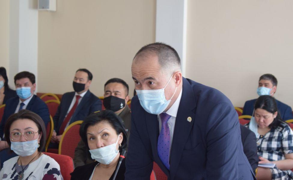 Начальника актюбинского облздрава оштрафовали за нарушение карантина