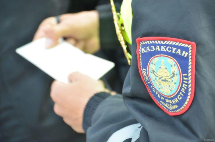 Казахстанца осудили за попытку дать взятку полицейскому в Павлодарской области