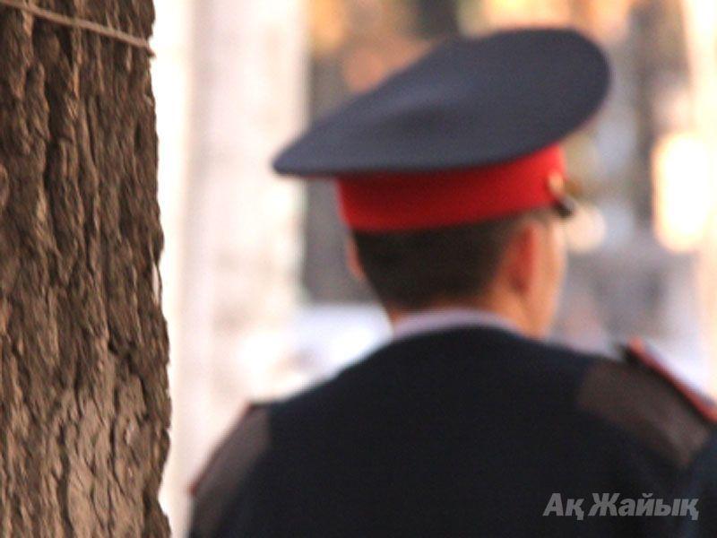 В Атырау двух полицейских задержали по подозрению в пытках