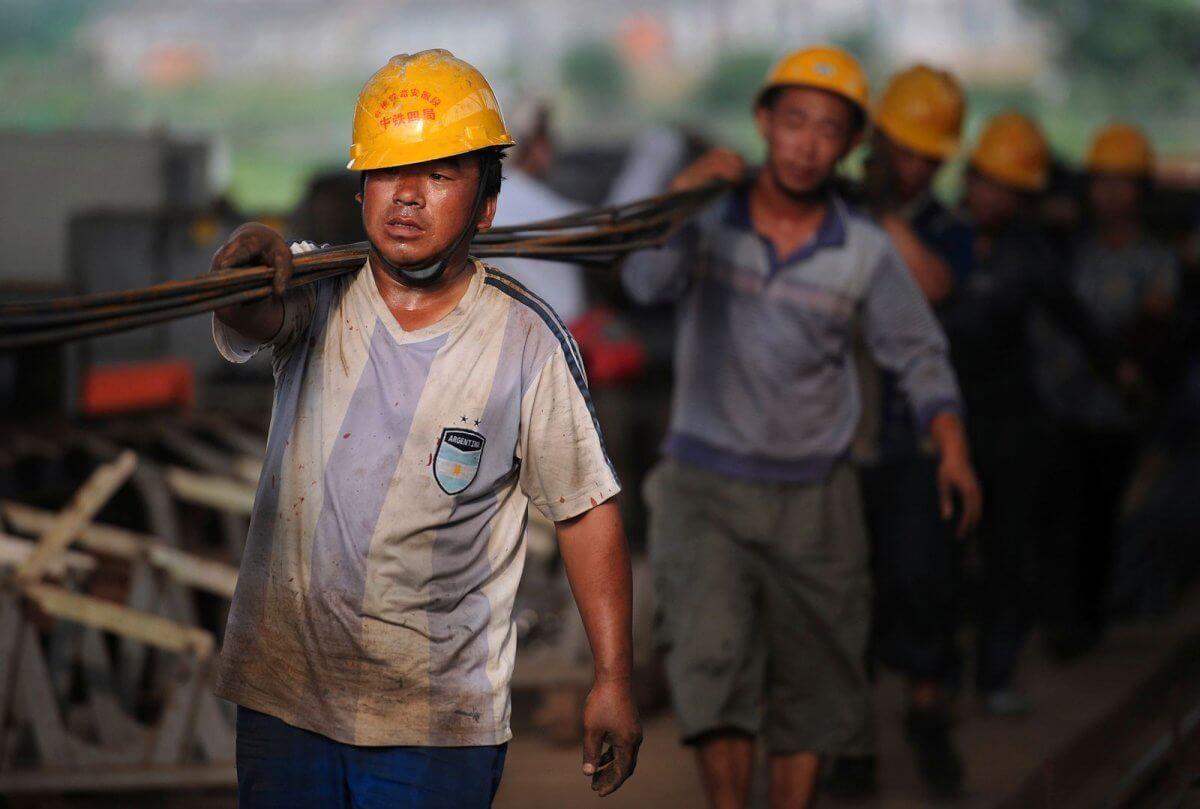 Больше двухсот иностранцев вынудили покинуть Казахстан