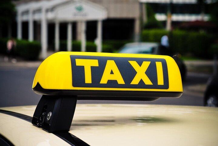 В Казахстане отменили решение суда о запрете работы Яндекс.Такси