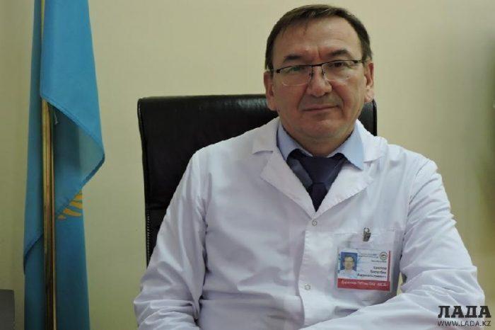 К 4 годам и 6 месяцам лишения свободы приговорил суд экс-начальника управления здравоохранения ЗКО (ВИДЕО)