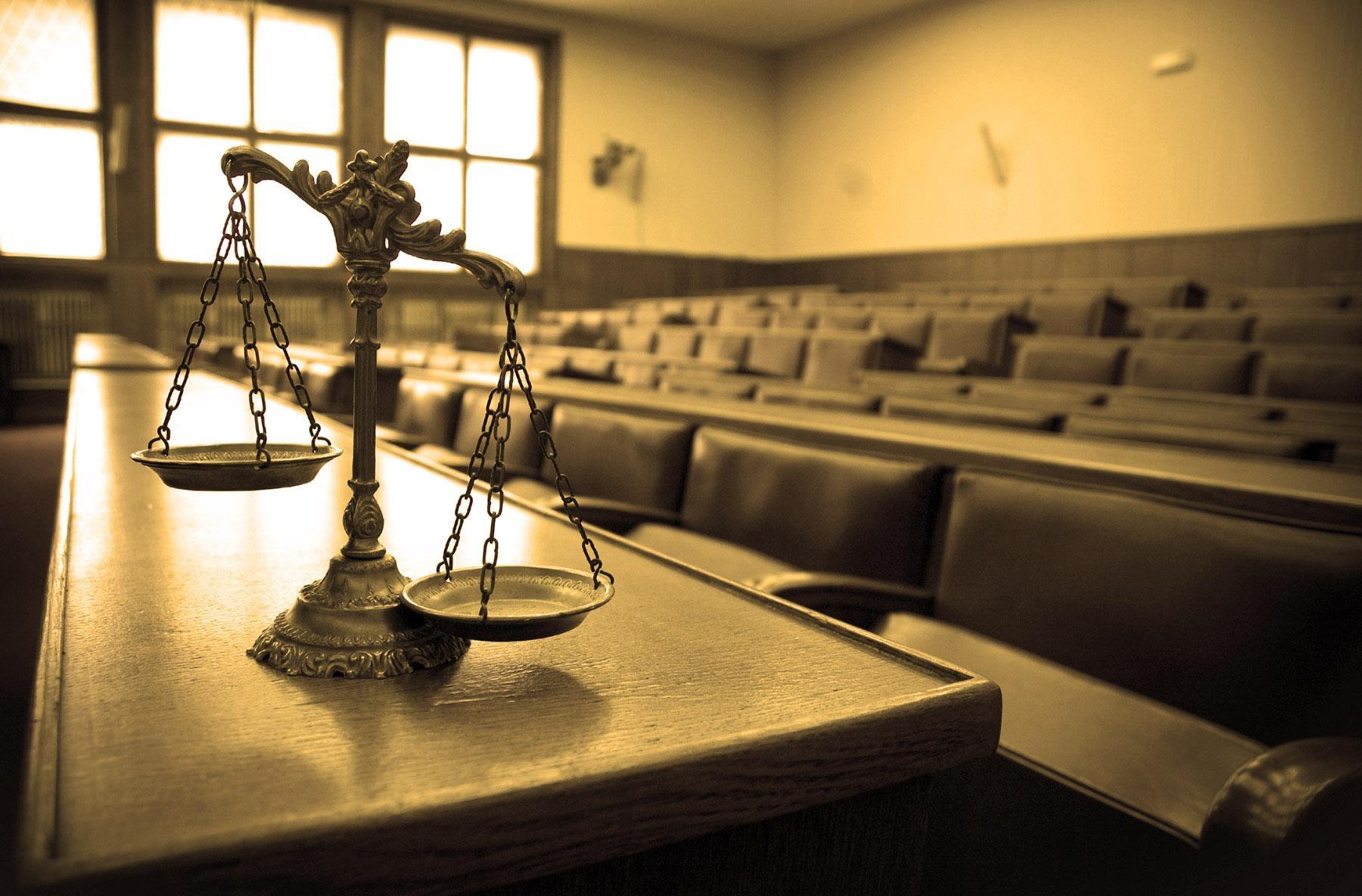 Подсудимый: Выводы суда либо противоречат закону, либо опровергаются материалами дела