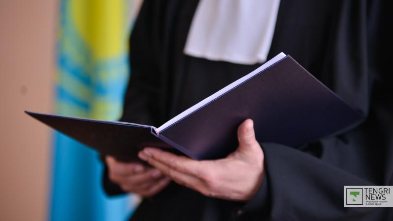 Журналистам запретили рассказывать о суде над акбулакским стрелком Дужновым. Насколько это законно