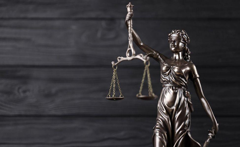 Верховный суд оправдал мать-одиночку, которую осудили за убийство