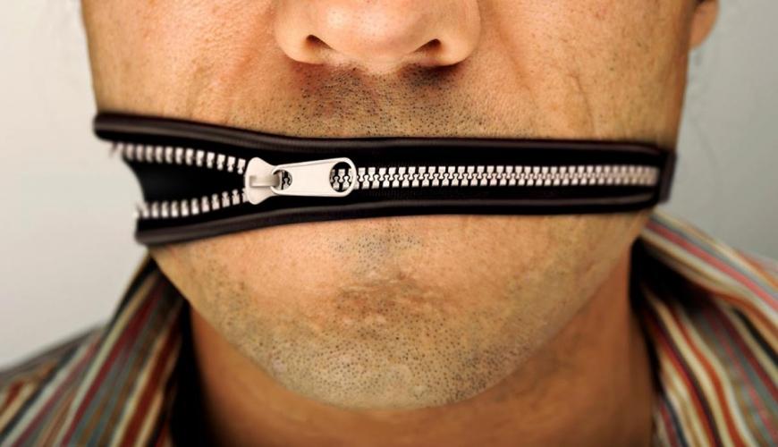 Адвокат пытается оказать давление на СМИ